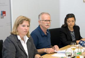 v.l.n.r.: Ruth Waldmann, Hans-Ulrich Pfaffmann, Dr. Rosário Costa-Schott